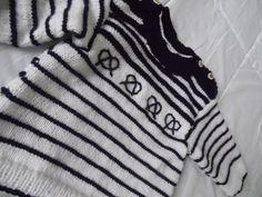 Pull marin fille ou garçon, blanc et marine, tricoté en acrylique, manches 3/4 : Mode filles par annbcreation