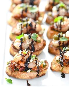 Shrimp Bruschetta, Easy Bruschetta Recipe, Elegant Appetizers, Salsa, Sandwiches, Appetisers, Appetizer Recipes, Appetizer Party, Picnic Recipes