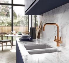 Looking for advice on how to design an open plan kitchen? These steps will show you how to design an open plan kitchen that suits your lifestyle Copper Taps Kitchen, Copper Faucet, Copper Kitchen Accessories, Interior Accessories, Kitchen And Bath, New Kitchen, Kitchen Ideas, Kitchen Sink, Kitchen Dining
