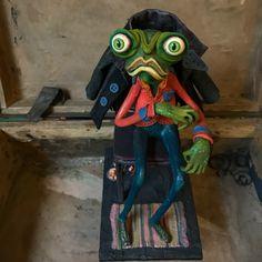 42 отметок «Нравится», 5 комментариев — Anna Sadjaya. Artist (@ya.sadjaya) в Instagram: «I'm frog zombie;) #yasadjaya #аннасаджая #арт #авторскаякукла #интерьернаякукла #папьемаше…»