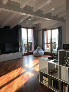 Appartamento ultimo piano con terrazzo in vendita a Correzzana in Brianza #domotica #attico #terrazzo #appartamento #Correzzana #Brianza #ultimopiano #casaestyle http://www.casaestyle.it/
