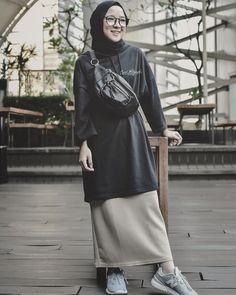 Street Hijab Fashion, Muslim Fashion, Ootd Fashion, Korean Fashion, Fashion Outfits, Fasion, Casual Hijab Outfit, Ootd Hijab, Hijab Collection
