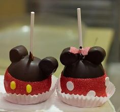 Learn how to make the Minnie Mouse Carmel Apple from Marceline's Confectionary