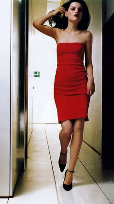 Mario Testino for American Vogue, March 1997. Dress by Michael Kors.
