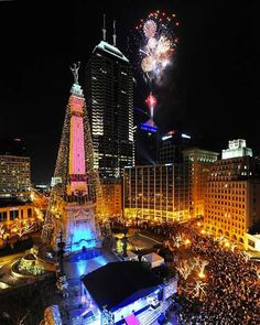 Indianapolis, IN - Hurry up Circle of Lights!!! I have a great idea for my Christmas card pic this year!!!!