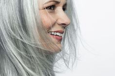 5 Things to Know Before You Transition Your Dyed Hair to Natural Gray