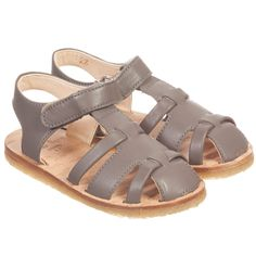 Shop the latest Easy Peasy collection at Childrensalon, including quality footwear and stylish bags for girls and boys. Leather Slippers, Leather Sandals, Soft Leather, Brown Leather, Walker Shoes, Kids Sandals, French Brands, Velcro Straps, Gladiator Sandals