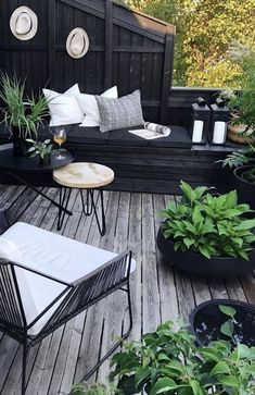 These are your beloved balkon design in the world Patio Plus, Outdoor Kitchen Patio, Backyard Patio, Outdoor Kitchens, Diy Patio, Backyard Ideas, Garden Decking Ideas, Ikea Patio, Desert Backyard
