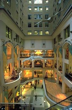Underground City in Montreal, Canada Quebec Montreal, Montreal Ville, Quebec City, Toronto, O Canada, Canada Travel, The Places Youll Go, Places To Go, Voyage Canada