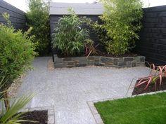 Small garden patio design- illusion of space Bamboo Garden, Glass Garden, Patio Planters, Backyard Patio, Herb Garden Design, Garden Ideas, Patio Ideas, Outdoor Ideas, Garden Inspiration