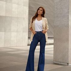 Bell Bottoms, Bell Bottom Jeans, Instagram, Style Inspiration, Outfits, Casual, Pants, Blue, Fashion