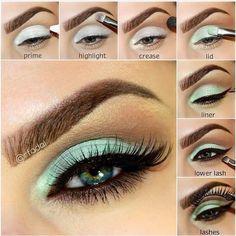 How to Make your Green Eyes Pop by Wearing Bright Teal Makeup Teal Eye Makeup, Mint Makeup, Eye Makeup Steps, Colorful Eye Makeup, Makeup For Green Eyes, Simple Makeup, Natural Makeup, Mint Eyeshadow, Eyeshadow Looks