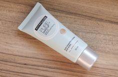 Pure Makeup - Maybelline - A fórmula dos produtos contém ácido salicílico que promete ajudar a combater as imperfeições da pele mista e oleosa.