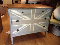 meg made designs: Painting a Union Jack/British Flag on a dresser tutorial Acrylic Furniture, Painted Furniture, Union Jack Dresser, Make Design, Restoration Hardware, Pottery Barn, British, Diy Projects, Flooring