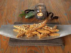 BRUNE PINNER Recipe Boards, All Things Christmas, Cinnamon Sticks, Carrots, Spices, Thanksgiving, Baking, Vegetables, Desserts