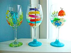 Denise Loves Art: Hand Painted Wineglasses by Denise Tropical Wine Glasses, Diy Wine Glasses, Decorated Wine Glasses, Hand Painted Wine Glasses, Decorated Bottles, Painted Bottles, Wine Painting, Bottle Painting, Wine Glass Designs