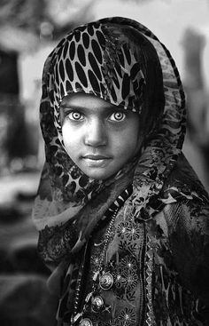 The Eyes of Children around the World ~ Oman ©Nadia Alamri