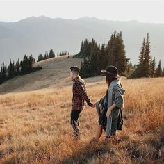 """folklifestyle: """" Early fall vibes are real y'all. BTW you can now sign up for our email newsletters over on our website. (Link in profile) Photo by the wonderful @jordanvoth #liveauthentic #livefolk..."""