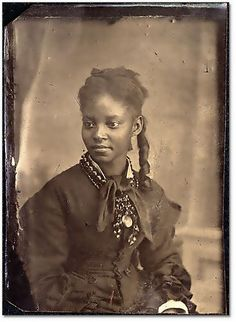 :::::::::: Antique Photograph :::::::::: Beautiful portrait of African American young woman. c. 1890