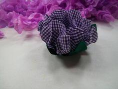 Forminha de tecido tipo viscose, confeccionada com 3 camadas de tecido,mais a folha. Modelo flor Gérbera.Consultar cor antes de efetuar a compra, escrevendo para o vendedor. Forminha ideal para trufas e doces