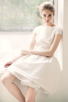 Katie Ermilio Spring Short Wedding Dress with Sleeves Wedding Robe, Wedding Gowns, Ao Dai, Top Mode, Dress Vestidos, Little White Dresses, Dress Me Up, Pretty Dresses, Dress To Impress