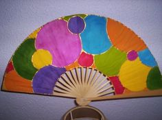 abanicos exclusivos y originales Hand Held Fan, Hand Fans, Dance Fashion, Victorian Fashion, Exotic, Paper Crafts, Hand Painted, Fancy, Gifts