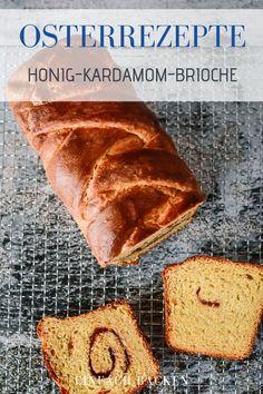 Brioche Rezepte Ostern | Dieses wundervoll buttrige Honig Brioche mit Kardamom und Pistazienfüllung steht heute stolz wie Oscar auf dem Frühstückstisch. Es ist so unfassbar lecker und buttrig, dass es den klitzekleinen Aufwand morgens locker wert ist.