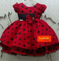 I see a really cute Minnie Mouse Costume happening here. Fashion Kids, Toddler Fashion, Little Dresses, Little Girl Dresses, Girls Dresses, Baby Dress Patterns, Kids Frocks, Baby Sewing, Kind Mode