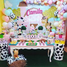 Farm Animal Birthday, Cowgirl Birthday, Farm Birthday, Cow Birthday Parties, Baby Girl First Birthday, Birthday Party Decorations, Farm Party, Ideas, Farm Birthday Cakes