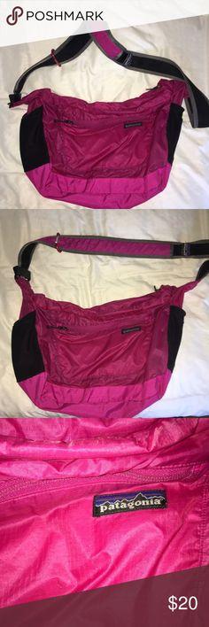 Patagonia gym bag in pink Patagonia gym bag in pink with long strap Patagonia Bags Travel Bags