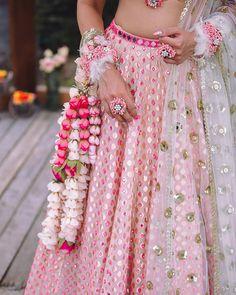 Baby pink gold Abhinav Mishra mirror work lehenga with floral jewellery. Hindus, Bridal Looks, Bridal Style, Mirror Work Lehenga, Indian Bridal Makeup, Lehenga Designs, Schmuck Design, Brides And Bridesmaids, Bridal Lehenga