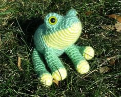 Crocheted frog by Smeddley