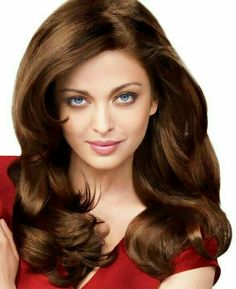 Aishwarya Rai is a talented artist and very popular among fans. Aishwarya Rai photo gallery with amazing pictures and wallpapers collection. Aishwarya Rai Hairstyle, Aishwarya Rai Photo, Actress Aishwarya Rai, Aishwarya Rai Bachchan, Bollywood Actress, Indian Bollywood, Indian Bridal Makeup, Indian Celebrities, Female Celebrities
