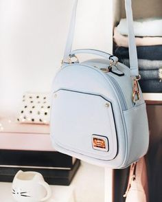 Image uploaded by ♚ Dɑyrɑ Jɑsemin ♚. Find images and videos about girl, fashion and blue on We Heart It - the app to get lost in what you love. Cute Mini Backpacks, Stylish Backpacks, Fashion Handbags, Purses And Handbags, Fashion Bags, Cheap Handbags, Chanel Handbags, Luxury Handbags, Girl Fashion