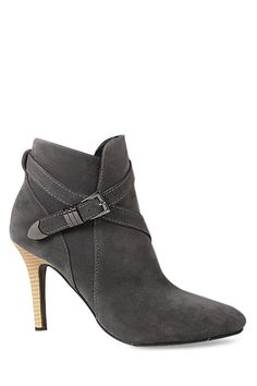 Criss-Cross Solid Color Suede Ankle Boots $33.99
