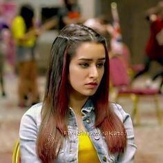 Vinnie_ ABCD 2 Beautiful Bollywood Actress, Beautiful Indian Actress, Prettiest Actresses, Beautiful Actresses, Indian Celebrities, Bollywood Celebrities, Shraddha Kapoor Cute, Sraddha Kapoor, Front Hair Styles