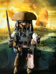 Playmobil Jack Sparrow Pirates of the Caribbean Johnny Depp Playmobil Toys, Toy Display, Tiny World, Jack Sparrow, Lego Movie, Legoland, Pirates Of The Caribbean, Cool Toys, Legos