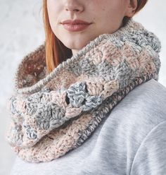 Crochet this beautiful cowl to keep warm this winter using Rosina Northcott's tutorial in issue 102 💜 Crochet Mandala Pattern, C2c Crochet, Crochet Hooks, Knitting Patterns, Crochet Patterns, Crochet Neck Warmer, Crochet Winter, Winter Warmers, Chunky Yarn