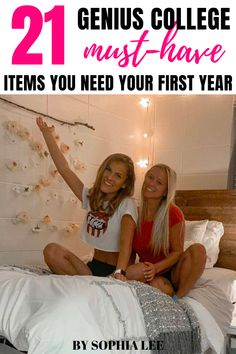 OBSESSED! This was so helpful when packing for my college dorm room! Pink Dorm Rooms, Boho Dorm Room, College Dorm Rooms, Dorm Packing Lists, College Packing, Dorm Room Checklist, Cool Room Designs, Apartment Decorating On A Budget, Dorm Room Organization