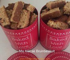 My skoonma Alet se resep wat ek al so bietjie verander het oor die jare. Altyd heerlik! 1 kg Nutty Wheat 8 teelepels bakpoeier 1 eetlepel sout 2 koppies muesli 1 koppie klapper 2 koppies semels 1 koppie sonneblom, pampoen, lyn en sesame saad saam gemeng by. 2 koppies bruinsuiker 500 gr botter 2 koppies … Rusk Recipe, Muesli, Baking Ingredients, Healthy Recipes, Healthy Food, Scones, Biscotti, Kos, Cookie Dough