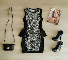 Look com Vestido Peplum Divino + Mini Bag ! ☺ Patris Boutique, prazer em vestir você!