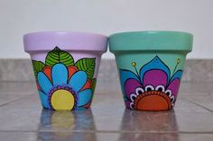 Macetas Para Cactus Pintadas A Mano - $ 80,00 en Mercado Libre Flower Pot Art, Flower Pot Design, Flower Pot Crafts, Clay Pot Crafts, Cactus Flower, Painted Clay Pots, Painted Flower Pots, Clay Pot People, Pottery Painting Designs