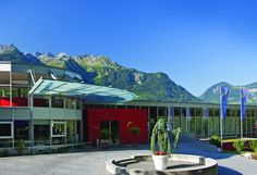 Seminar Hotel Val Blu Bludenz Mansions, House Styles, Outdoor Decor, Home Decor, Conference Room, Contemporary Architecture, Amusement Parks, Old Town, Vacation