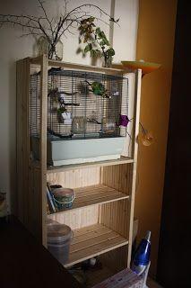 Polička s klietkou a polička na topánky. / Shelf with cage and boots shelf.