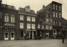 Haarlem 1926 Gierstraat 3 - 11,  ziende vanaf de Botermarkt (voor de bouw van het grote Vroom en Dreesman gebouw.). O.a. met de Drogisterij van A.J. van der Pigge