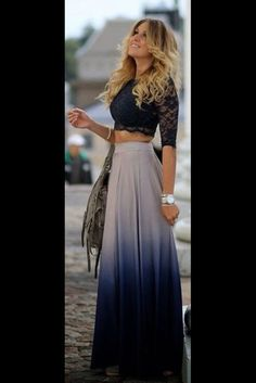 Little Lace Blouse With Long Skirt Cool Outfit.love the ombre skirt, blouse could b a lil longer though Black Lace Tops, Lace Crop Tops, Navy Lace, Top Y Pollera, Mode Top, Mode Outfits, Look Chic, Mode Inspiration, Fashion Inspiration