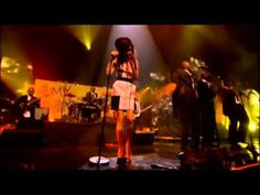 "Amy Winehouse - ""Me and Mr. Jones"" [Live at the  Mobo Awards 2007] ~~ Wonderful jazz `j"