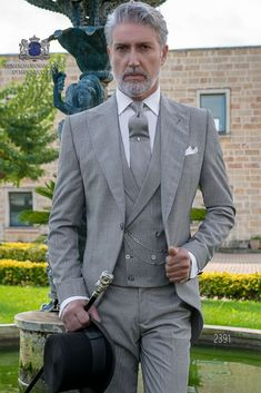 #fatherofthebrideoutfit #father #of #the #bride #outfit #father #of #the #bride #outfit #vest Tuxedo Wedding Suit, Groom Tuxedo, Wedding Suits, Cutaway, Father Of The Bride Attire, Costume Gris, Morning Suits, Designer Suits For Men, Groomsmen Suits