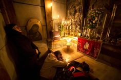 Tomb of Jesus restored to its former glory National Geographic, Catholic Online, Holy Land, Christianity, Restoration, Painting, Jerusalem, Israel, Jesus Christ