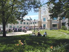 A picture of California State University Long Beach.
